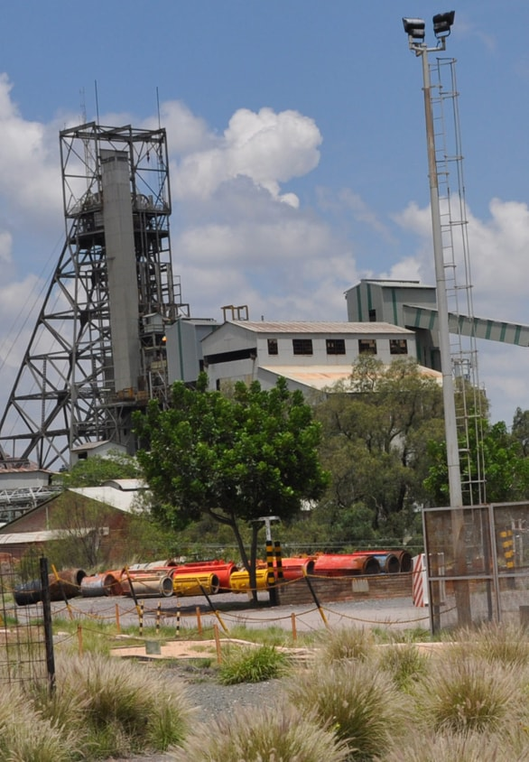 View across the Cullinan mine and its main headgear